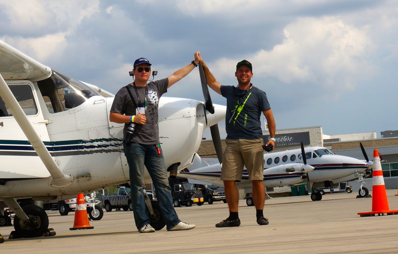 Felix and Fab in front of the Cessna parked at Signature aviation in Chicago O'Hare.